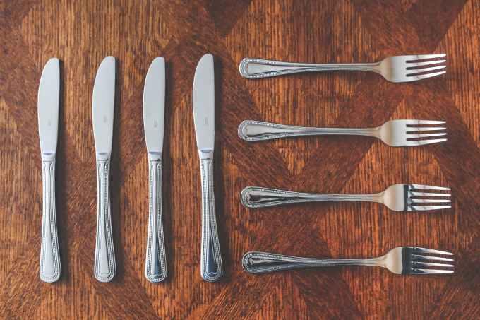 table-kitchen-eat-elegance.jpg